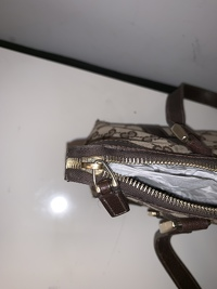 Gucci Monogram handbag Angle4