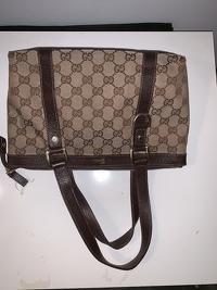 Gucci Monogram handbag Angle5