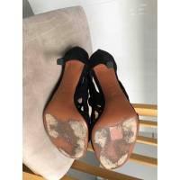 Alaia gate style sandals Angle4