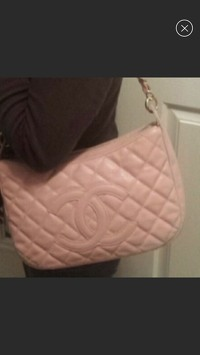 Chanel shoulder Bag Angle5
