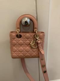 Pink Lady Dior  Angle3