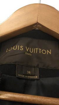 LV Gorgeous Wool Coat Angle3