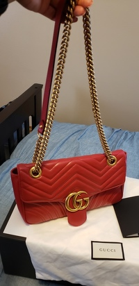 Authentic Gucci GG Marmont bag Angle2