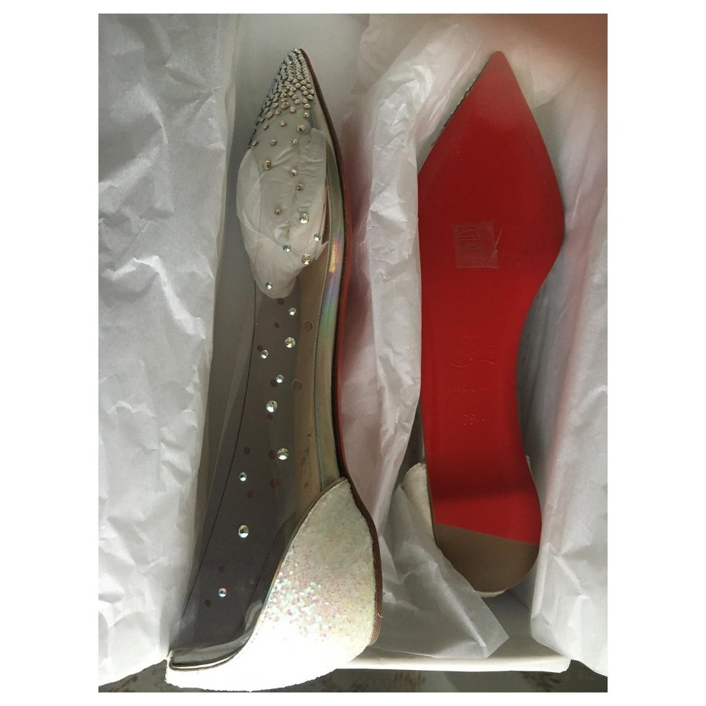 Leather Degrastrass flat by Christian Louboutin