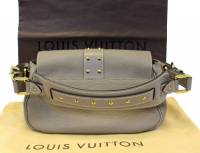 Louis Vuitton verone Confidant bag Angle2