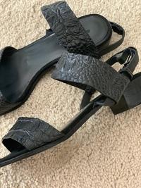 Alligator leather sandals Angle2