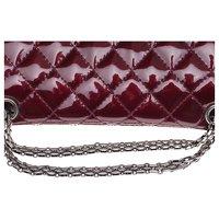2.55 handbag in burgundy patent leather Angle6