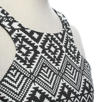 Parker Dress Black and White Angle4