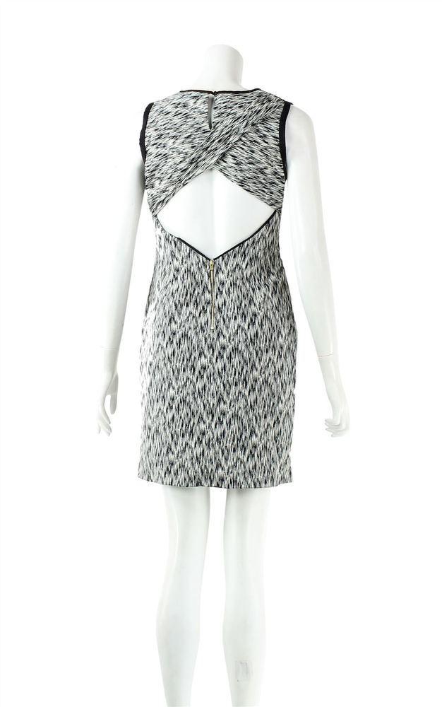 ROUND NECK KNEE LENGTH CASUAL DRESS